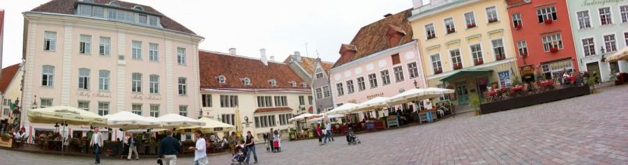 Plaza del Ayuntamiento de, Tallín (Estonia)