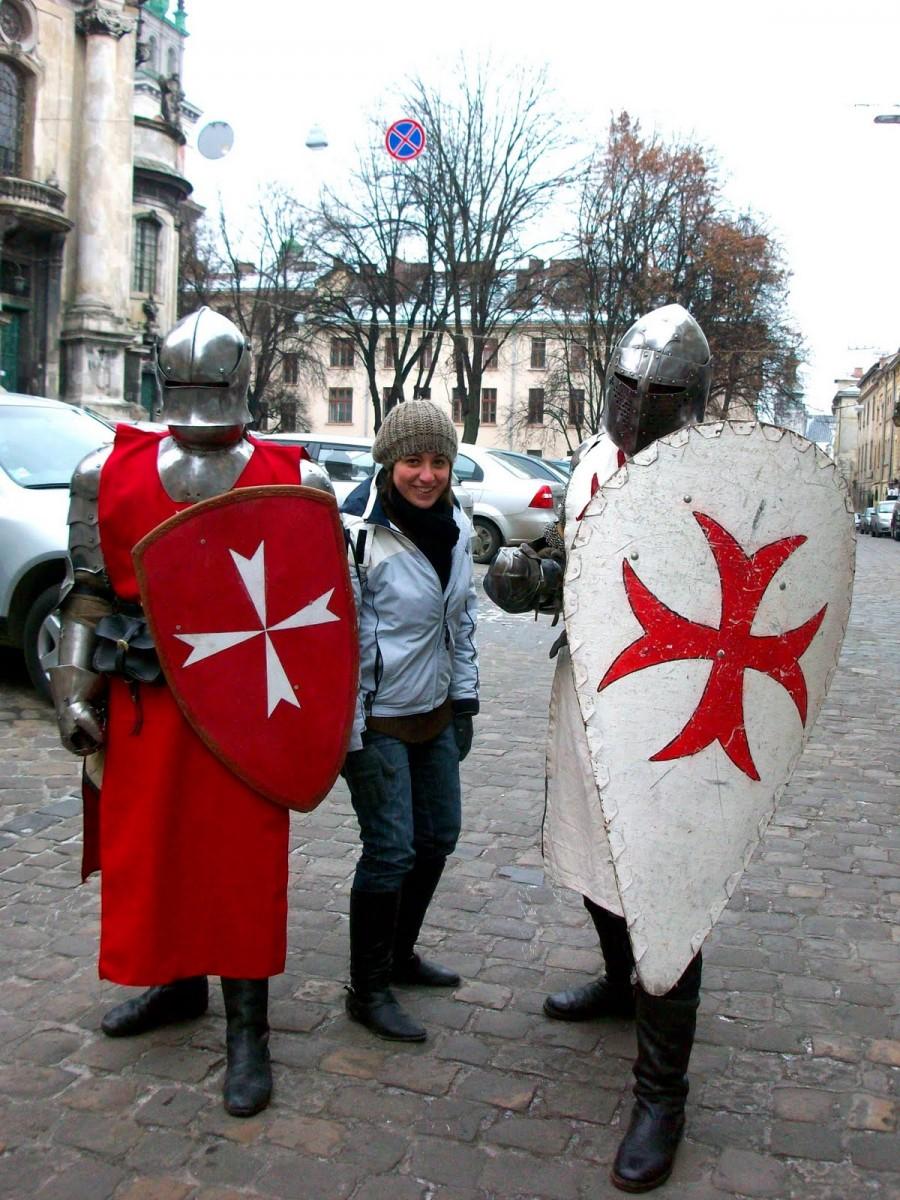 Actores con armadura en Lviv (Kiev)