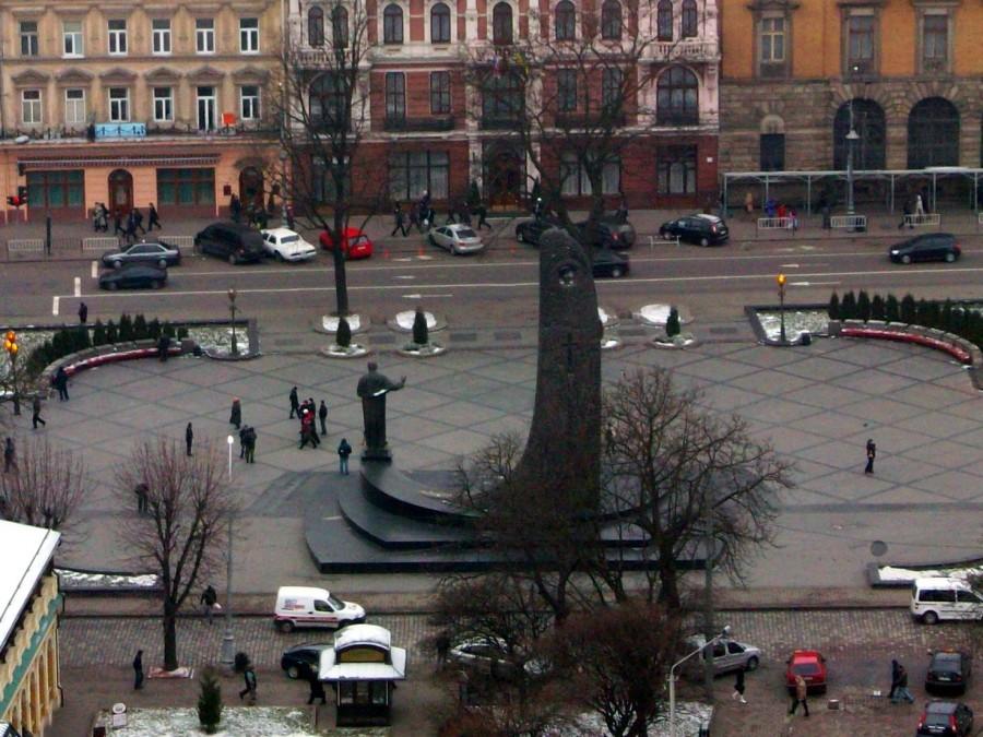 Monumento a Shevchenko,  Lviv (Ucrania)