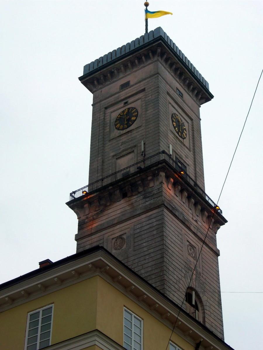 Torre del Ayuntamiento de Lviv (Ucrania)