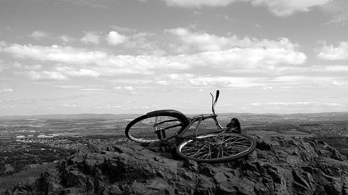 bicicleta mirando el paisaje
