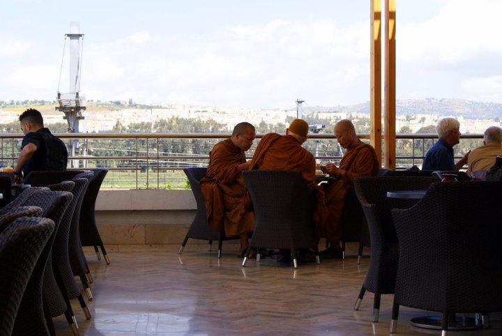 monjes budistas en marruecos