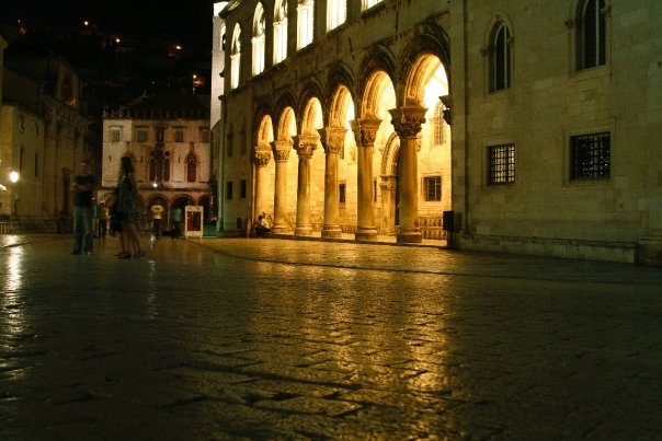 croacia Dubrovnik de noche