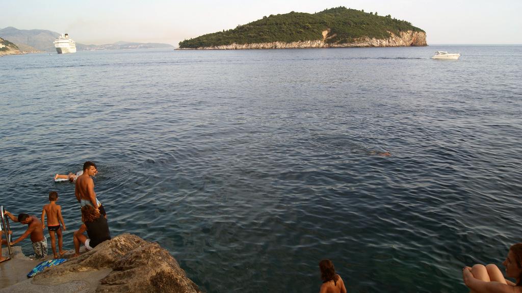playa de roca de Dubrovnik