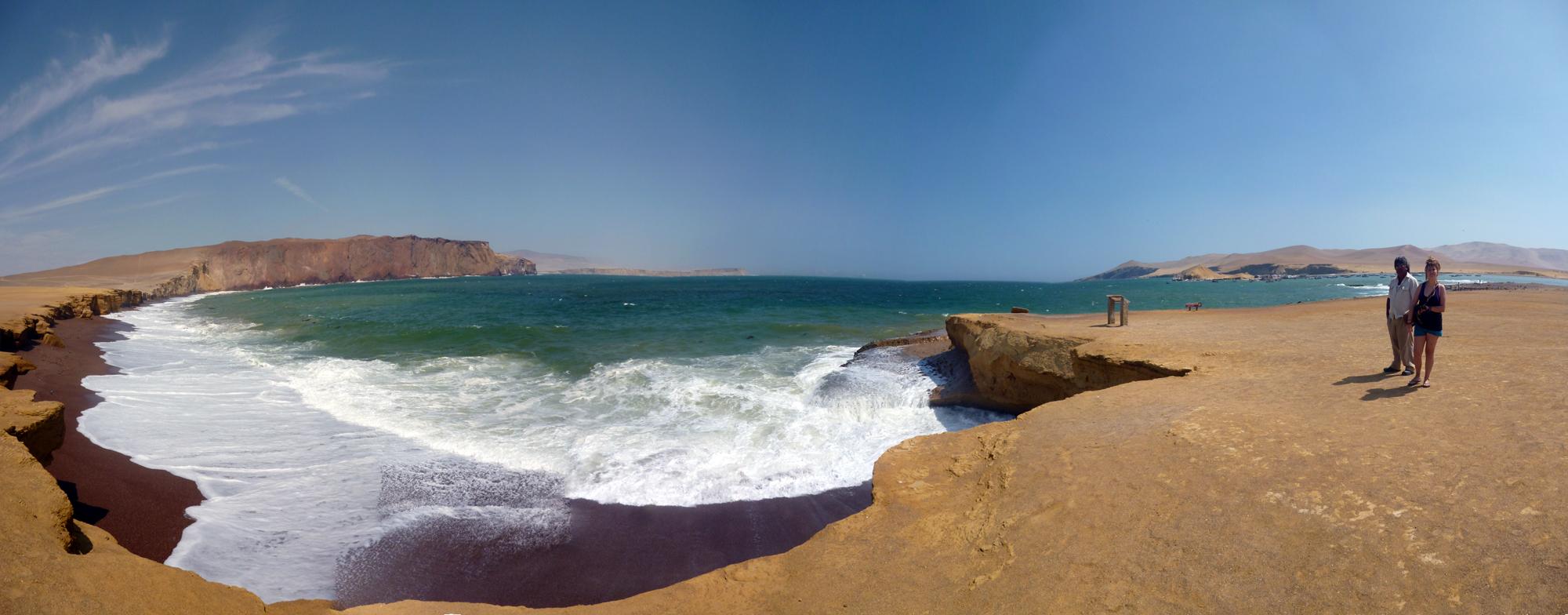 Playa Roja de Paracas