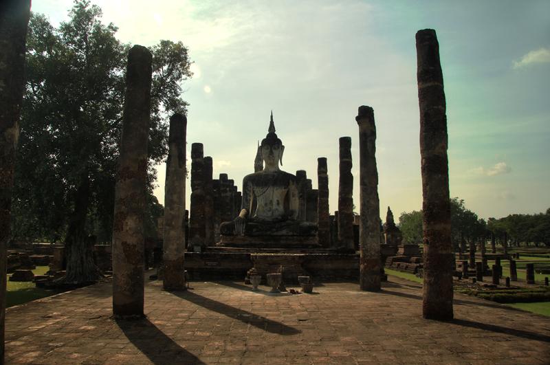Sukhothai_Buddha_wat_mahatat