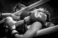 Chiang_mai_muay_thai_girls_low