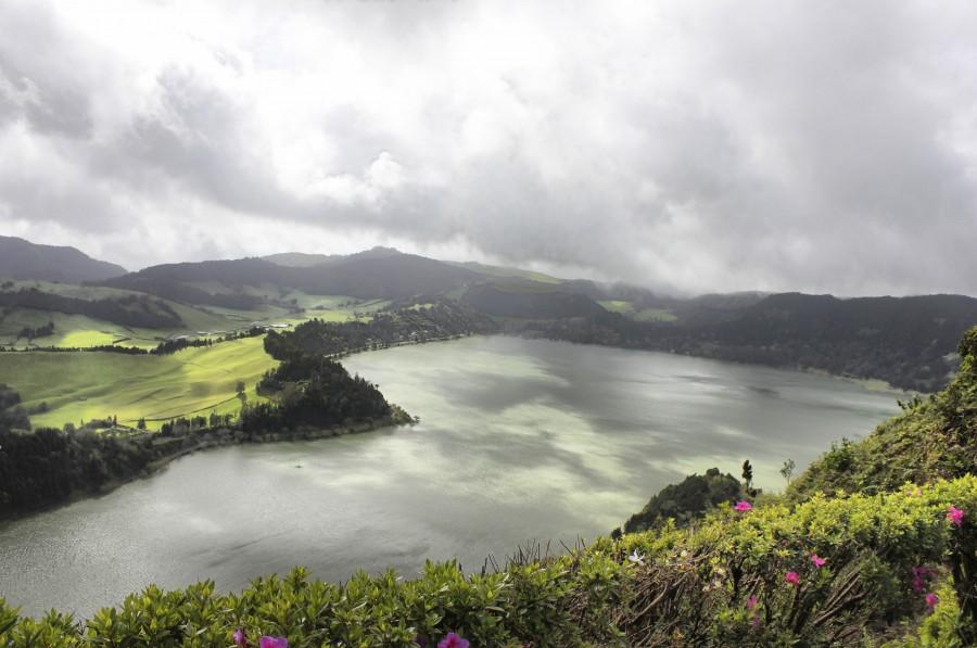 lago furnas desde el pico ferro