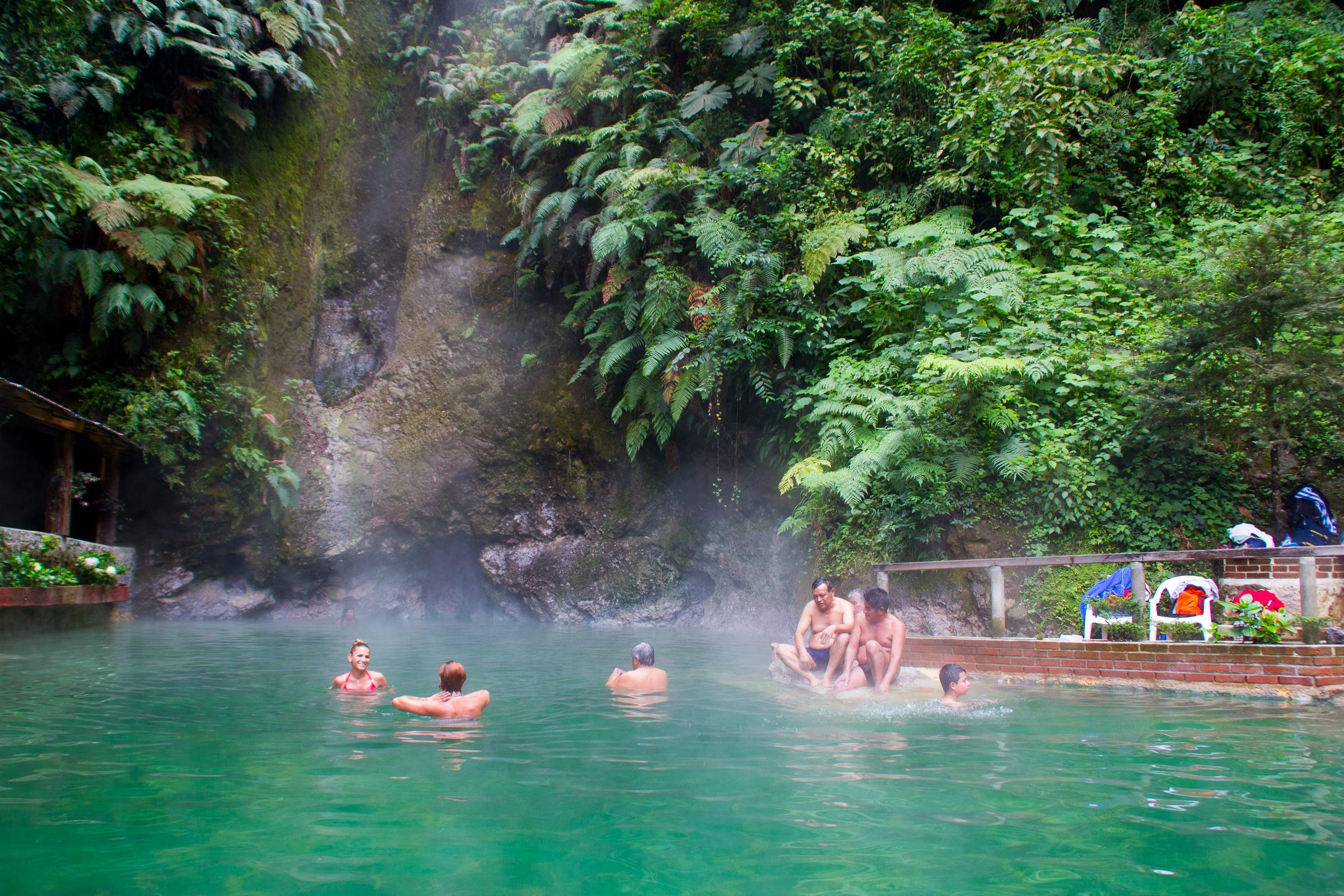 Guatemala 3 los pueblos mayas del altiplano v deo mis for Termas naturales cerca de madrid