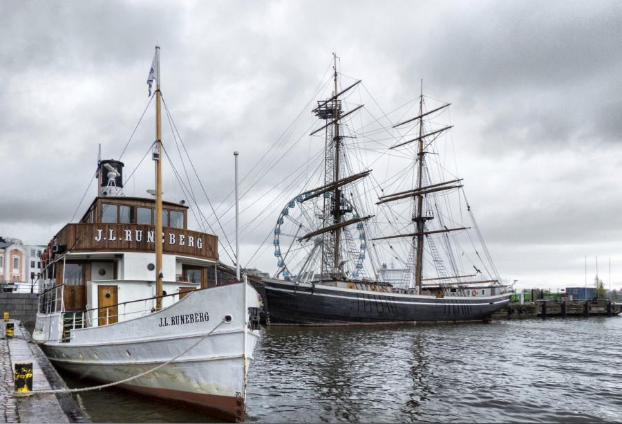Barcos del puerto de Helsinki