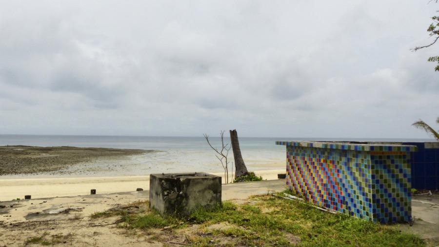 hotel abandonado en  isla contadora