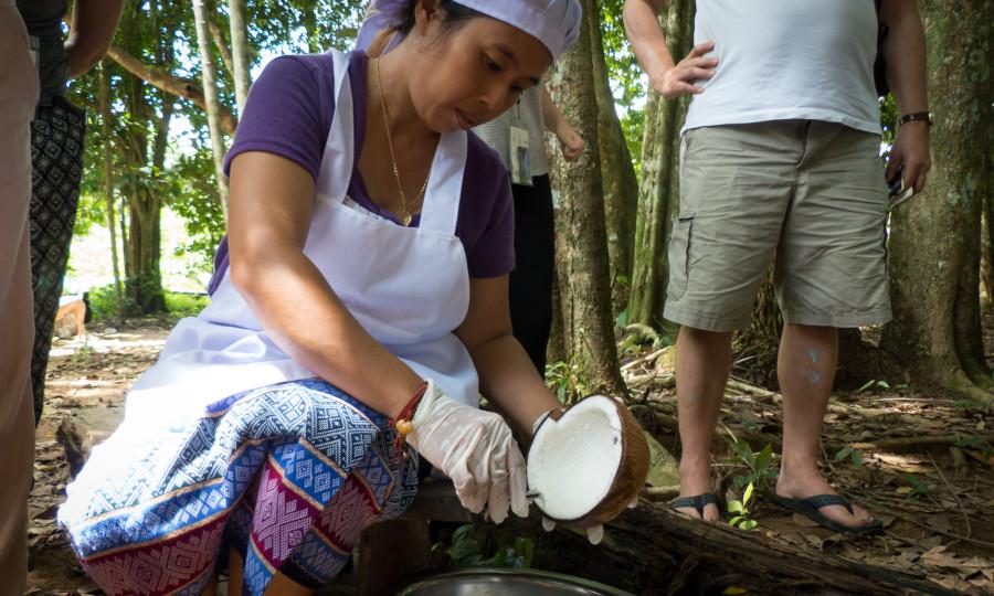 Realizando el aceite de coco