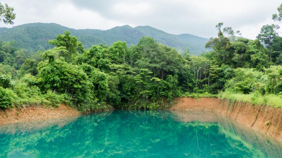 Una laguna turquesa