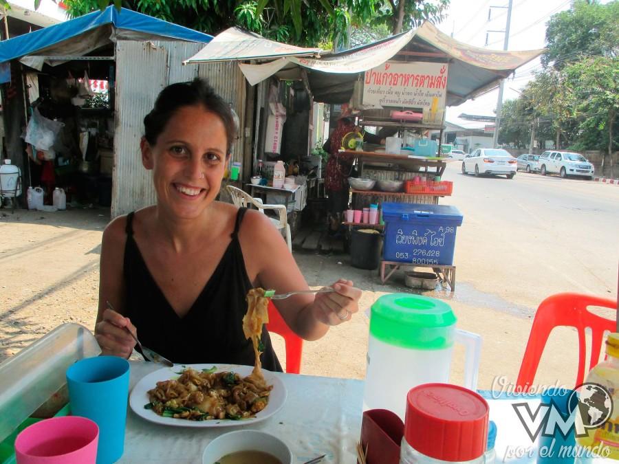 01-Comer-en-los-puestos-de-la-calle-puede-ser-una-experiencia...-peligrosa