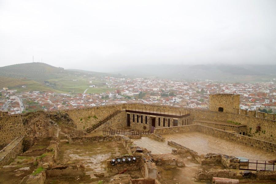 restos de la ciudad dentro de las murallas (Alcaudete)