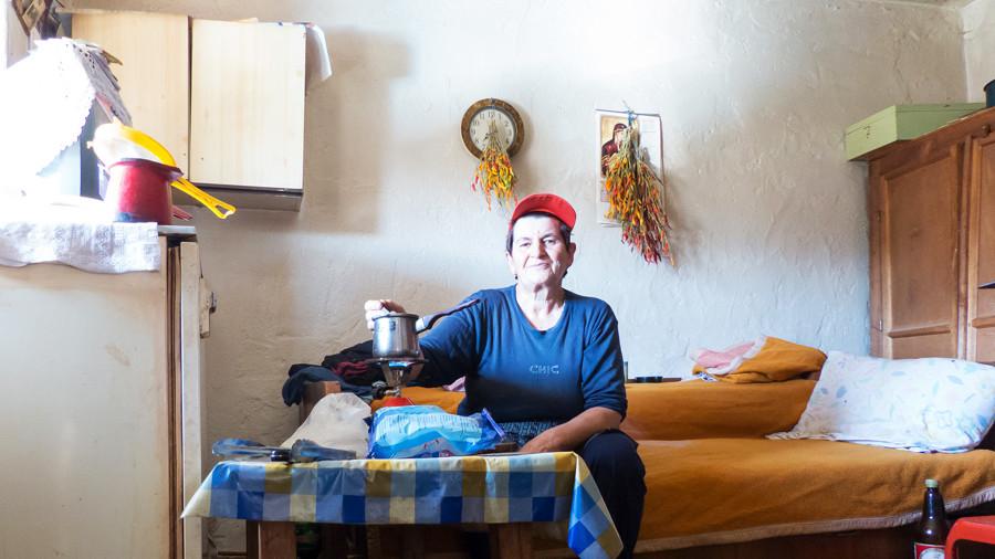 makedonia woman
