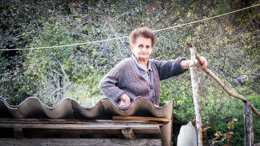 mujer macedonia