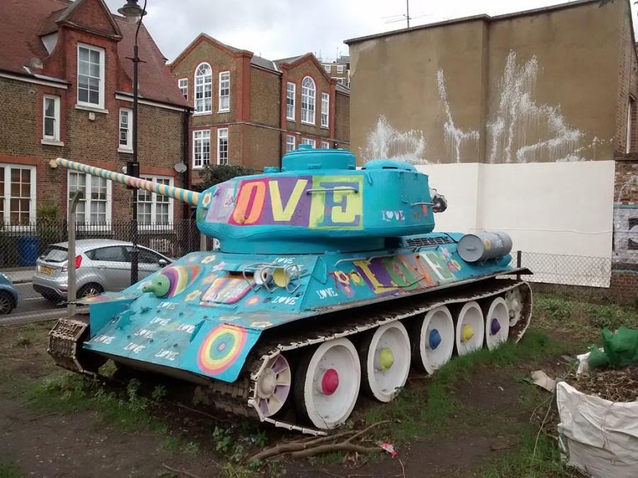 Tanque soviético T-34 de la calle Mandela