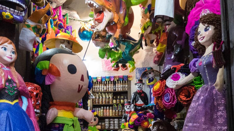 piñatas mexico